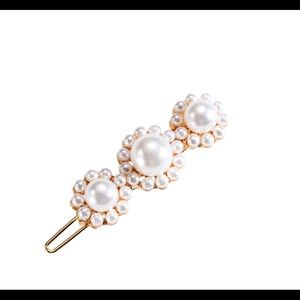 3/$20 Set Of Two 3 Pearl Hair Clips